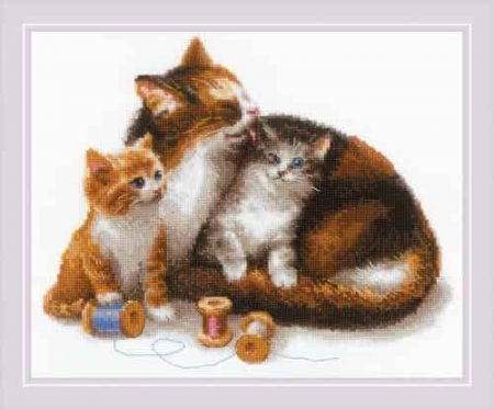 Riolis Cross Stitch Kit - Cat with Kittens