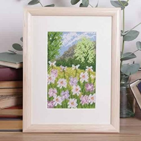 Twilleys of Stamford Tapestry Kit - Lush Meadow