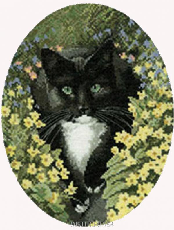 Heritage Crafts Cross Stitch Kit - Black and White Cat