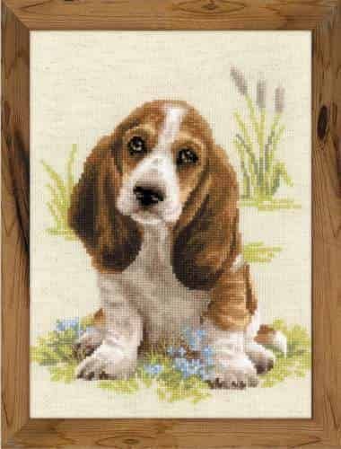 Riolis Cross Stitch Kit - Basset Hound Puppy