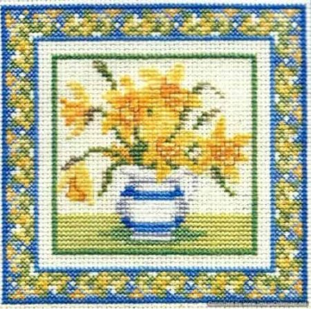 Derwentwater Designs Cross Stitch Kit - Daffodils, Spring Flowers