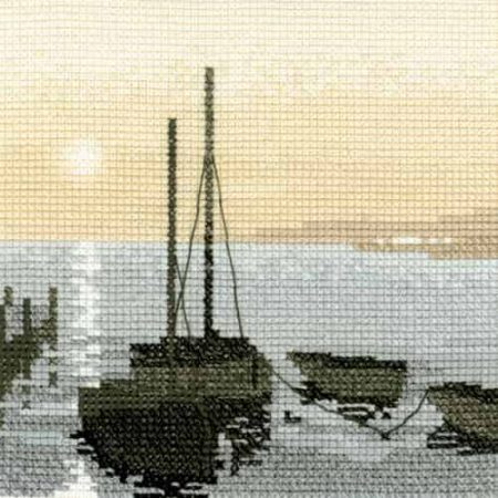Heritage Crafts Cross Stitch Kit - Silhouettes, Safe Harbour