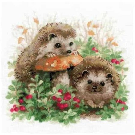 Riolis Cross Stitch Kit - Hedgehog in Lingonberries 1469
