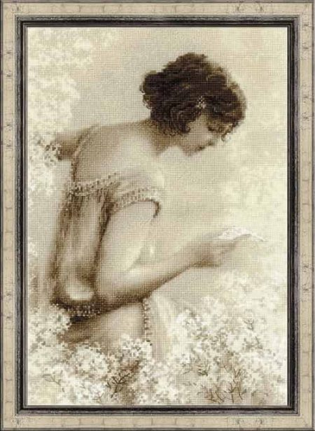Riolis Cross Stitch Kit - Old Photo - The Letter - 1920's lady 1277